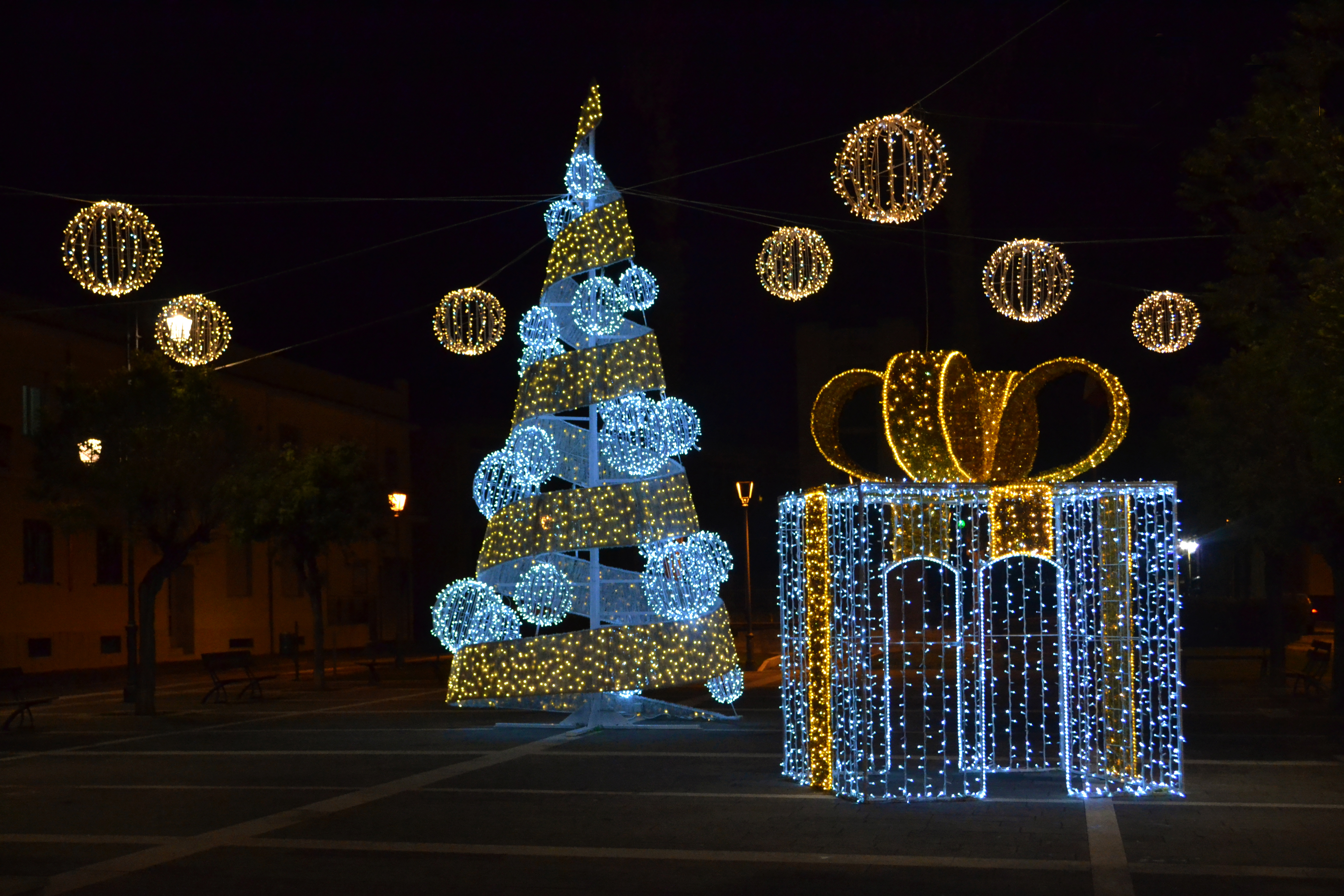 luminarie alberi di natale ditta con pacco