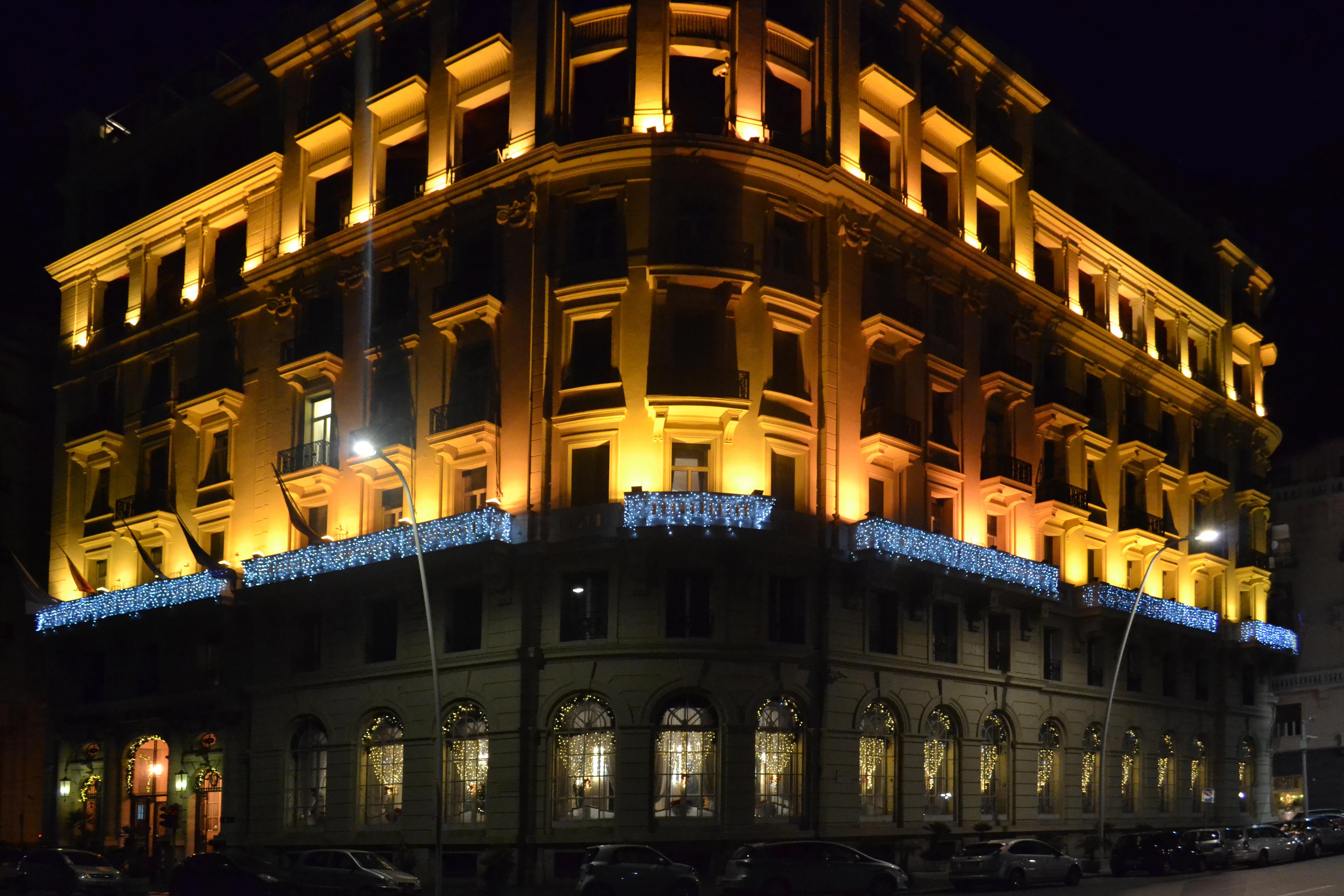 effetto ice luminarie light hotel napoli vesuvio
