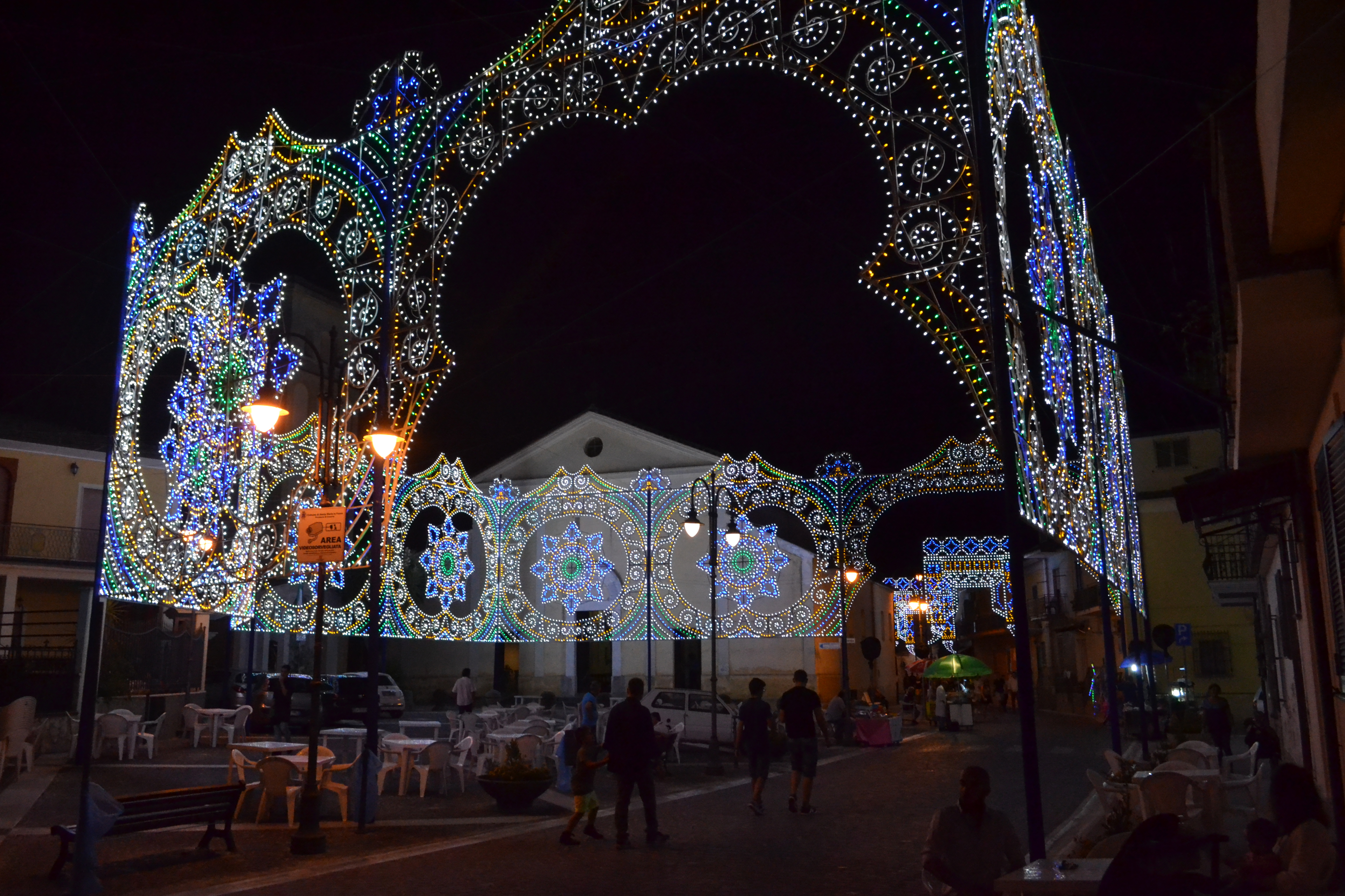 luminarie natale in piazza napoli