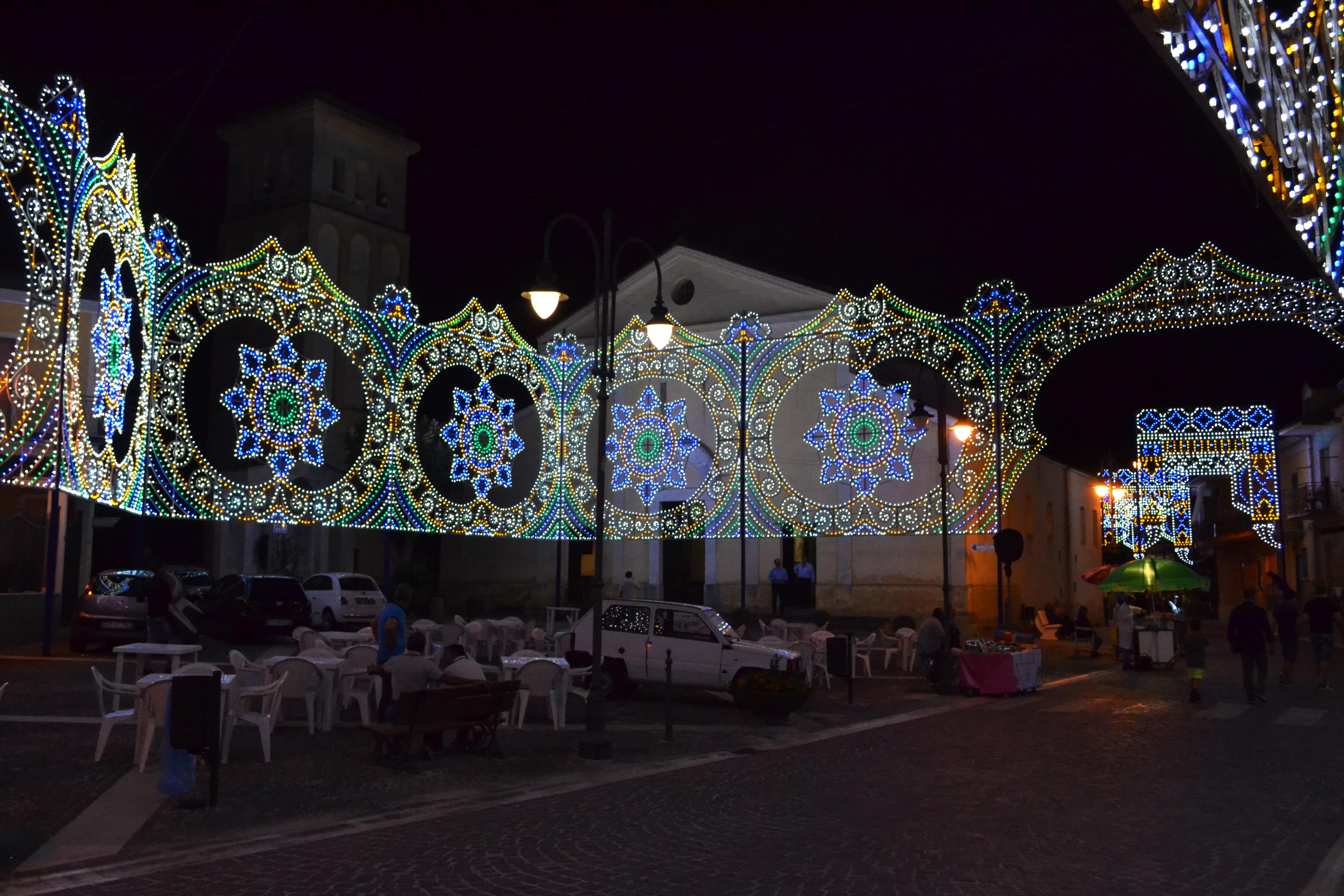 luminarie natale in piazza caserta