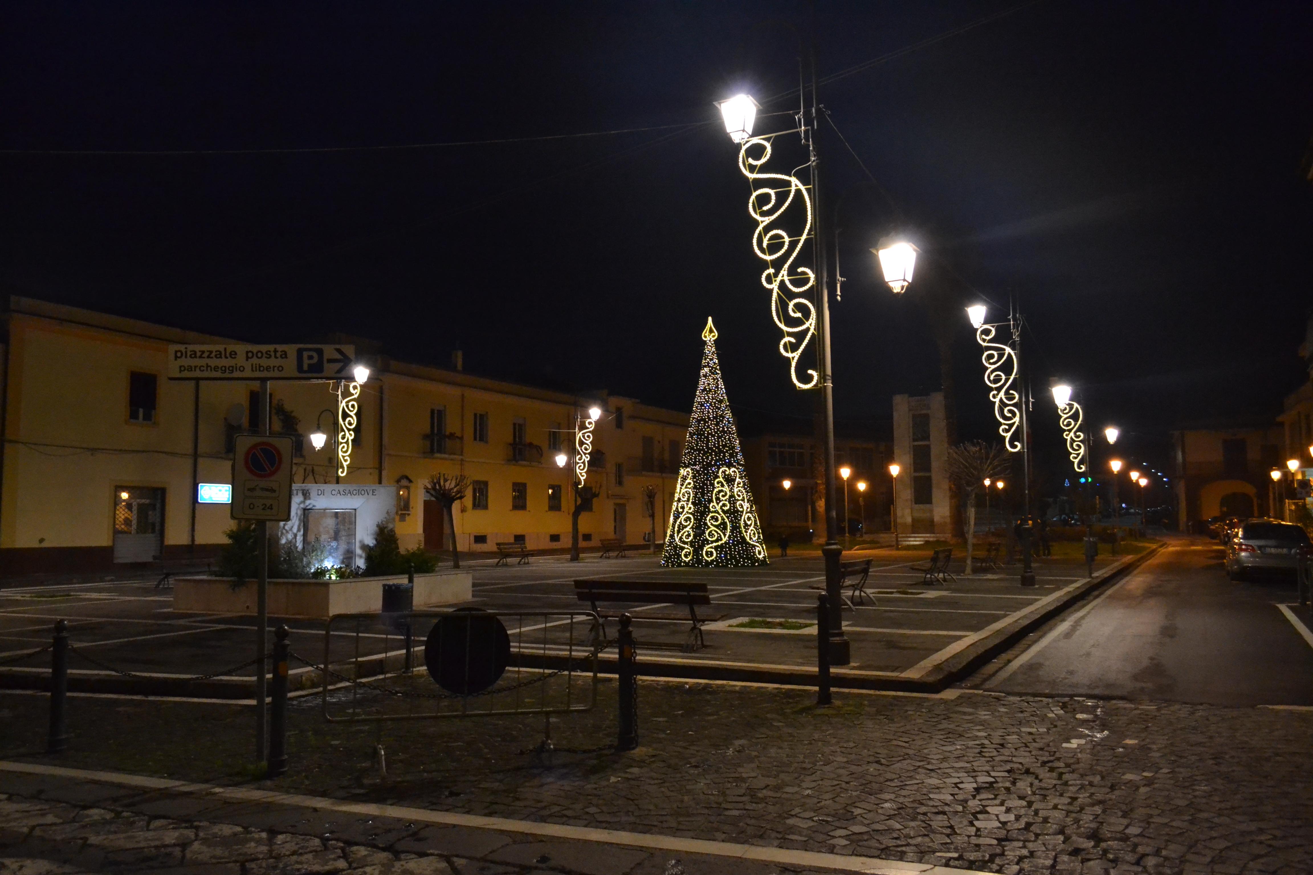 ditta albero natale luminarie piazza lato