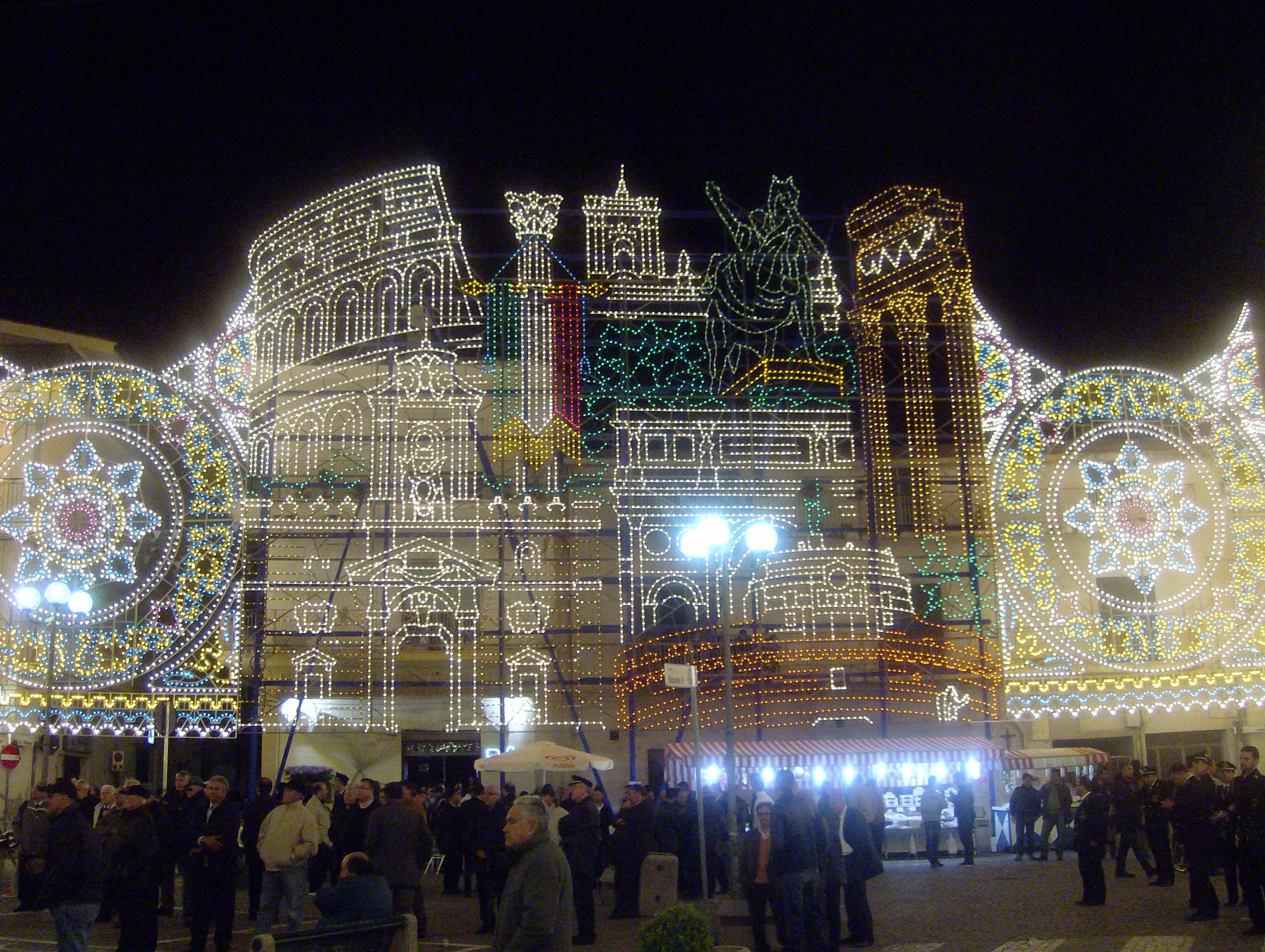 monumenti luminarie artistiche caserta
